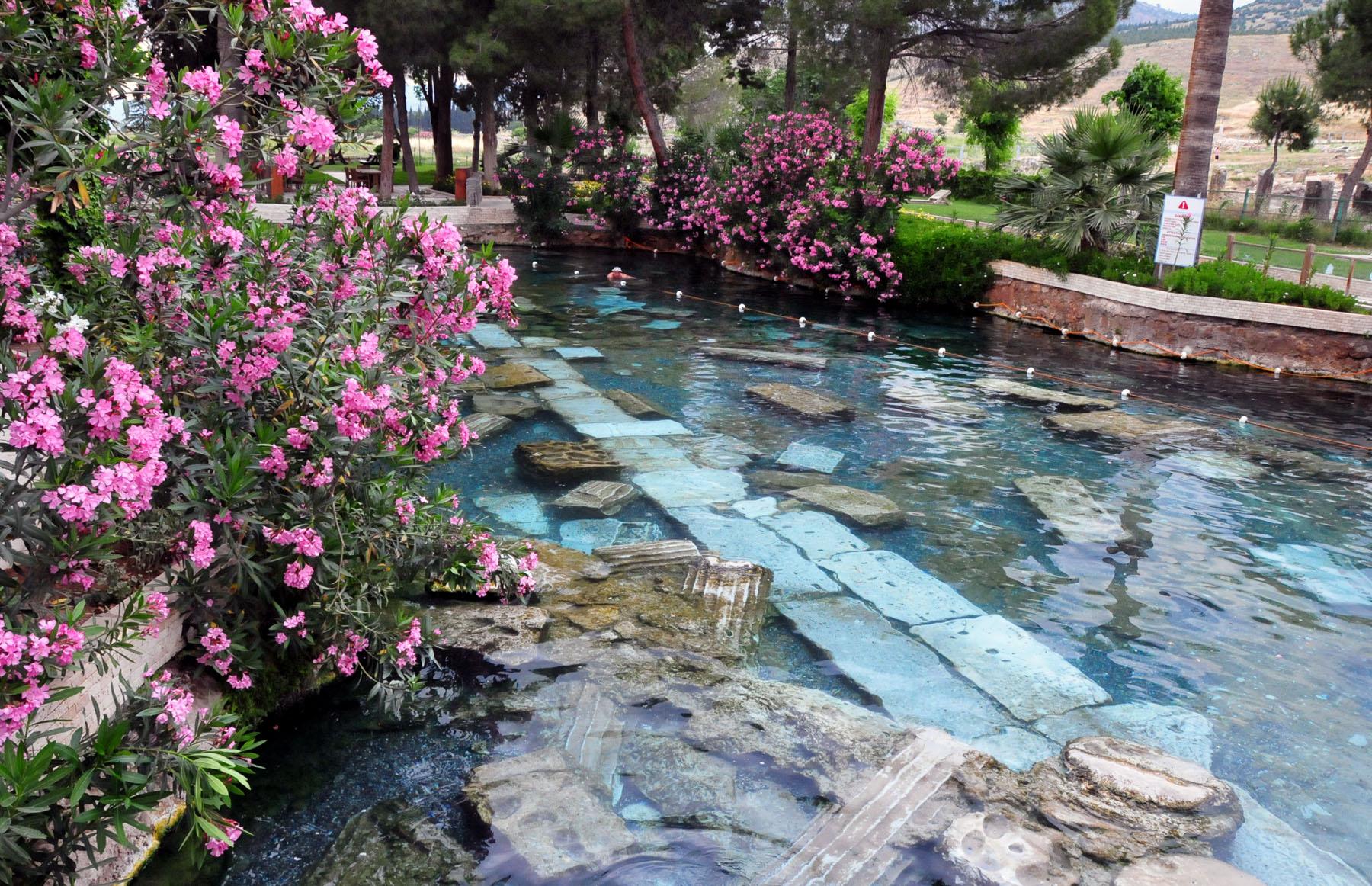 Blog soloscatto blog archive hierapolis - Cascate per piscine ...