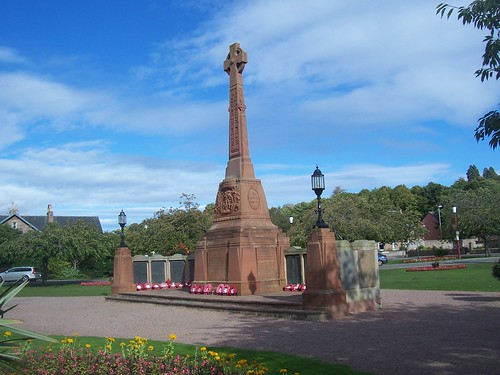 Inverness War Memorial, Inerness, September 2011