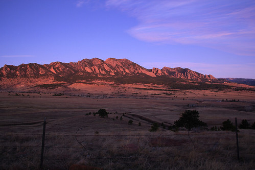 pink blue mountain field sunrise landscape colorado purple boulder plain flatirons alpenglow