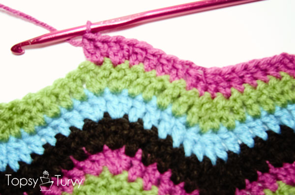 rainbow-chevron-crochet-scarf-mountain