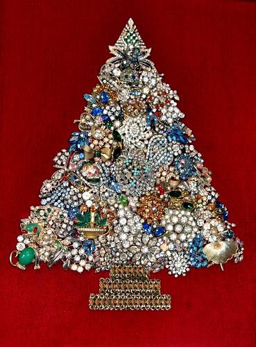 Titancia: Costume Jewelry Christmas Trees