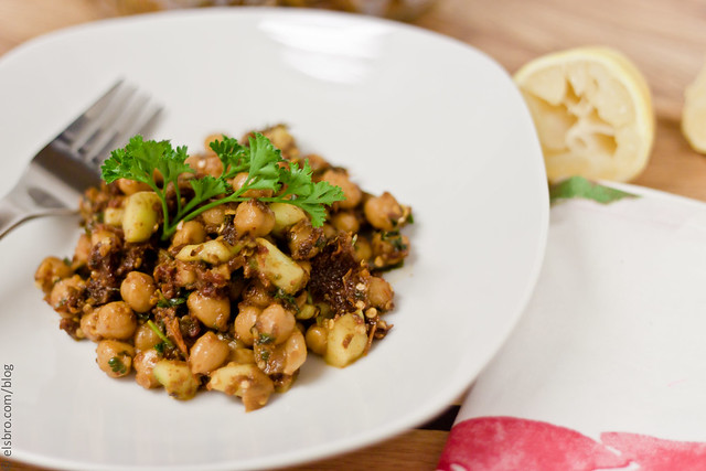 warm chickpea salad with cumin and garlic