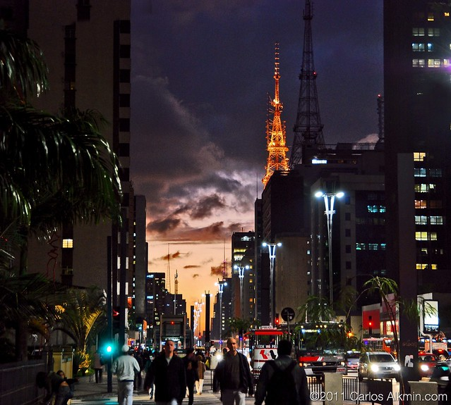 End of the working hour at Paulista Avenue