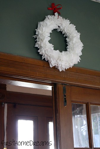 toilet paper christmas wreath