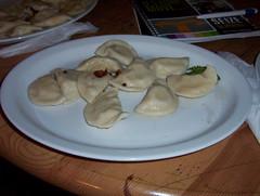 meal, breakfast, momo, pelmeni, food, dish, varenyky, dumpling, pierogi, cuisine,