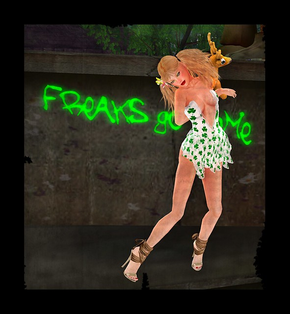 Elemiah Design - Pat GIFT 1l,[Atomic] Grace - Mistletoe (With Love Hunt 2011),MINA Hair - Kim FFL