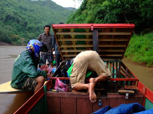 river geotagged boat engine repair laos lao phôngsali bannamhai geo:lat=2154355000 geo:lon=10234697700