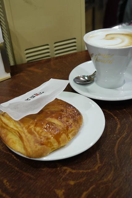 Pasticceria & Cappuccino