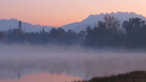 italy lake fog sunrise canon alba nebbia lombardia resegone flickraward laghidibrianza sx40hs canonpowershotsx40hs