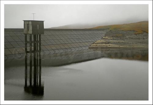 reflection landscape scotland dam loch kinloch hourn quoich