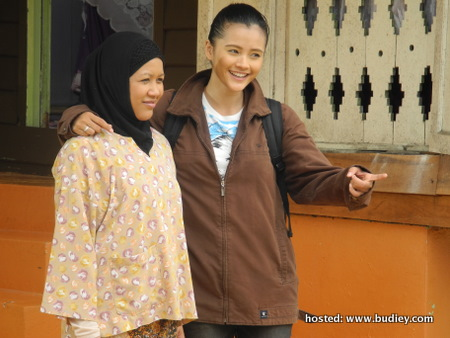 Almy Nadia dan Safura bergandingan sebagai ibu dan anak dalam Niat Hawa
