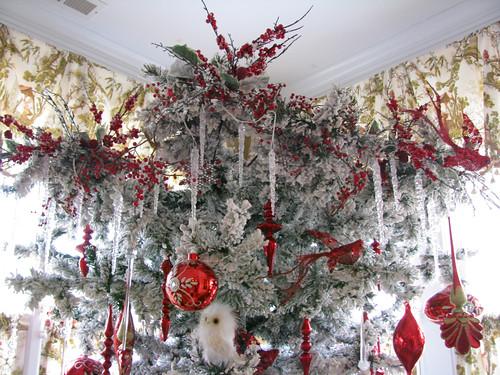 """Whimsical """"Upside Down"""" Christmas Trees"""