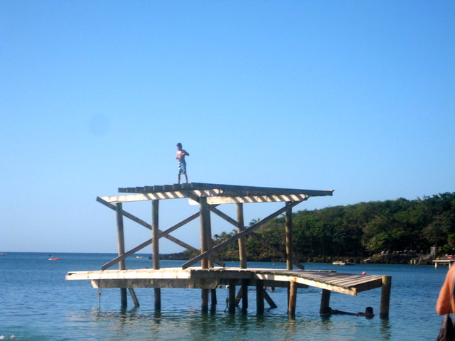 extreme kid on top of dock bay islands