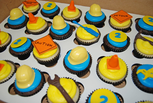 2nd birthday construction themed cupakes for a Bob the Builder celebration closeup