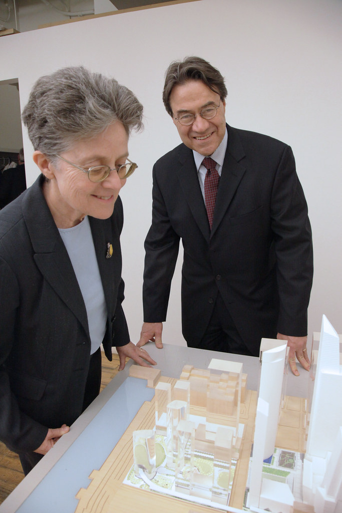 Alfreda Radzicki of FX Fowle Architects and William Cunningham, architect for Weill Cornell Medical College, with the KPF model.