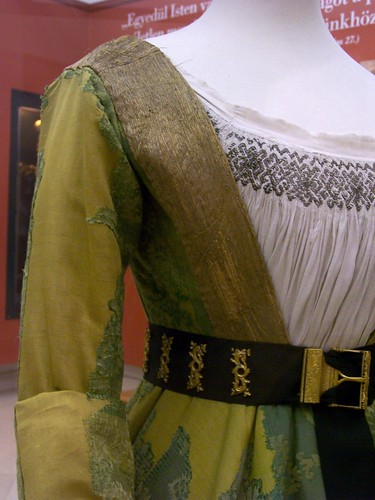 Mary of Burgundy's gown - front closeup