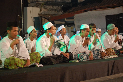Moslem pray for peace