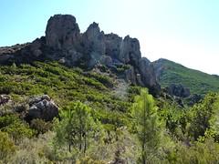 Sentier de Capeddu (récemment démaquisé) : au col peu avant le GR20, vue vers l'aiguille 726