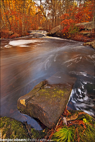 orange fall colors leaves waterfall rhodeisland steppingstone 14mm 5dii