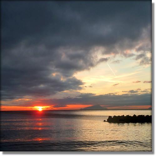 sunset atardecer zonsondergang tramonto sonnenuntergang pôrdosol ischia puestadelsol 100commentgroup mygearandmesilver jjamv tplringexcellence julesvtravel flickrstruereflection1 flickrstruereflection2 flickrstruereflection3 flickrstruereflection4 bbng juliusvloothuis
