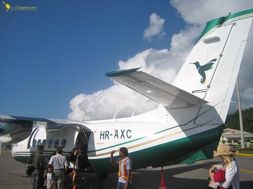 propeller small charter plane flight from Roatan to Utila honduras