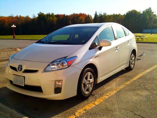 Toyota Prius подешевеет на $ 2100