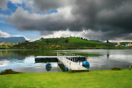 Lake Nuwara Eliya ( Explore )