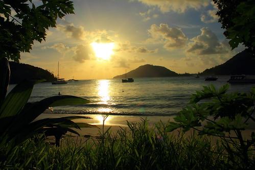 sunset sea beach nature clouds strand meer sonnenuntergang natur wolken northbeach seychelles seychellen indischerozean mahé epheliaresort