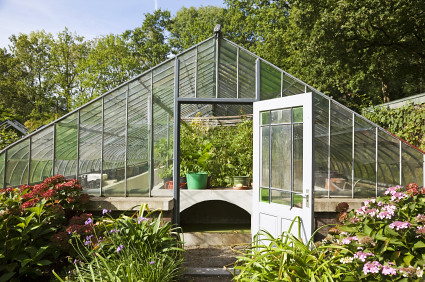 How to choose the best greenhouse manufacturers untitled for Materials to make a greenhouse