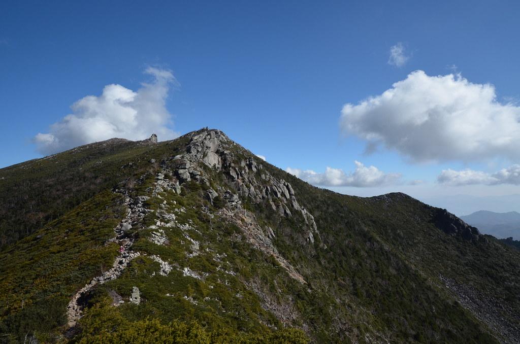 金峰山を見上げて