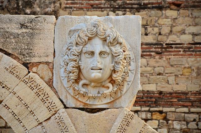 Talla decorativa de Lucio Septimio Severo. Las ruinas de Leptis Magna. Libia