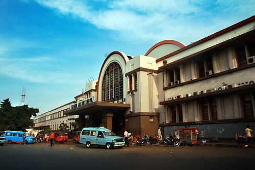 Stasiun Jakarta Kota by mas_jati