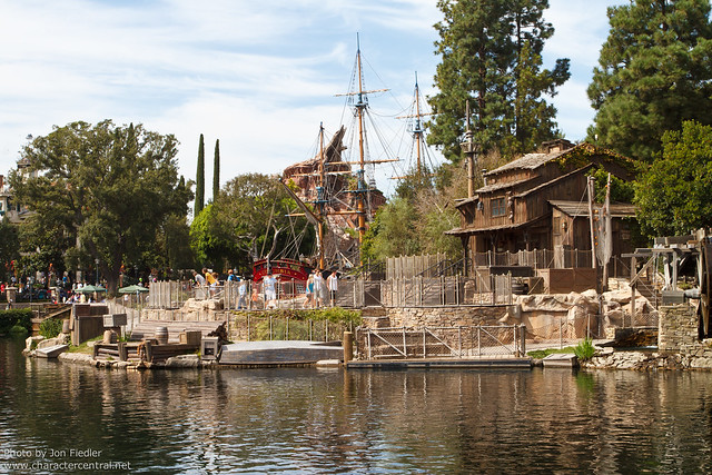 DL Oct 2011 - Wandering through Frontierland