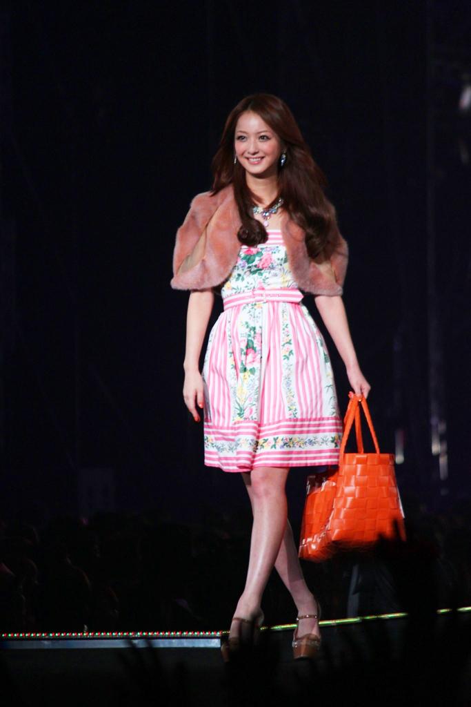 Tokyo Girls Collection 2011 AutumnWinter (10)