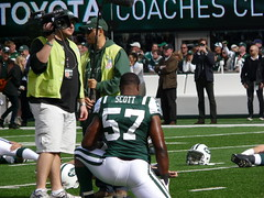 New York Jets Linebacker Bart Scott Warms Up