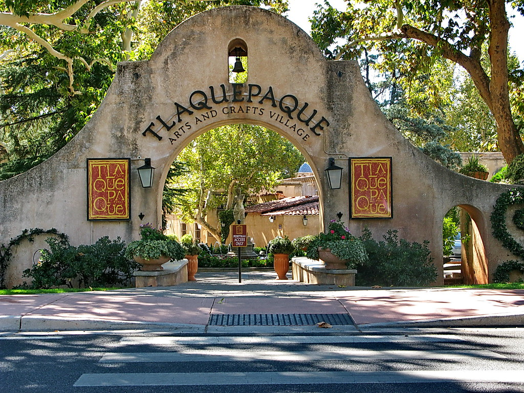 tlaquepaque arts crafts village entrance sedona a