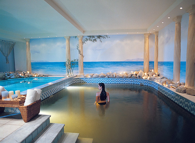 Thalassotherapy pool with mineral sea water enriched with ...