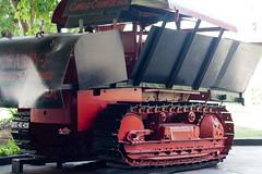 Trator transformado em blindado