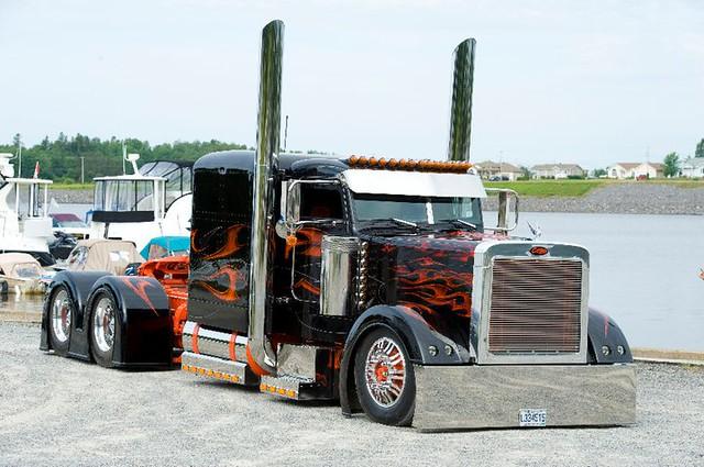 Custom Semi Trucks Peterbilt Custom Peterbilt Semi Trucks