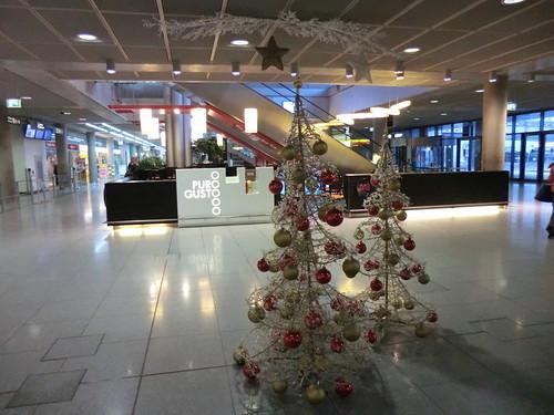 Christmas decoration @ Stuttgart airport