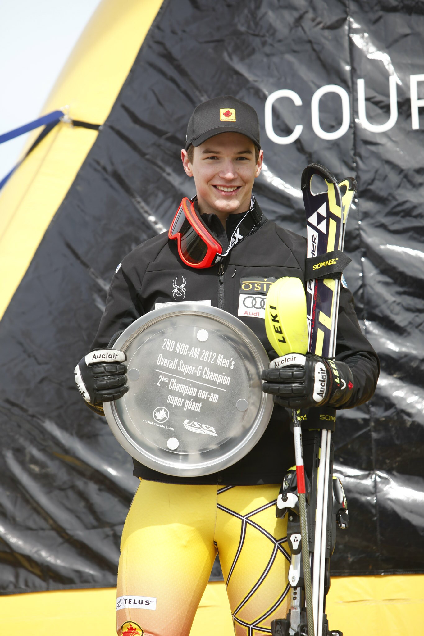 Erik Read with his award for the overall Nor-Am super-G champion.