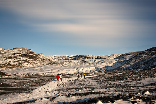 walking towards the glaciers tongue (Explored)