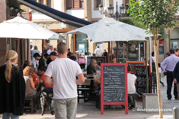 Mercado dominical de cangas de on s qu ver en asturias - Marisquerias en asturias ...