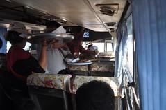 Venedors ambulants dintre el bus
