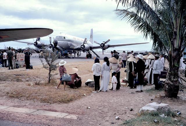 Huế 1967 - Sân bay Phú Bài