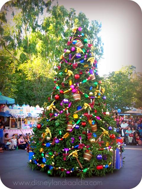 Arbol de Navidad en Disneylandia