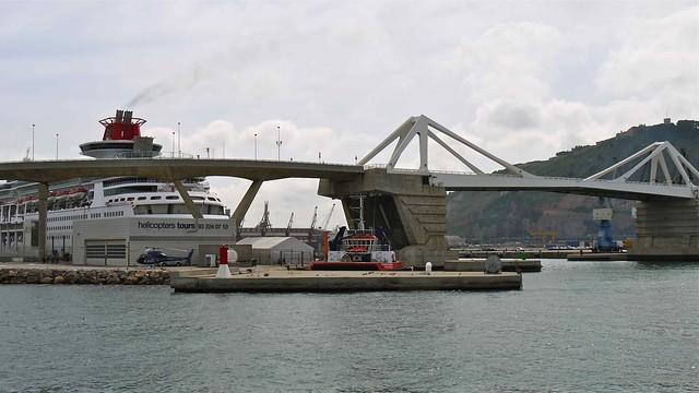 P1110459 barcelone croisi re port et littoral de las golondrinas le pont le - Vernis pont de bateau ...