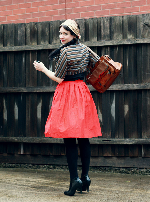 red skirt stripe jacket d