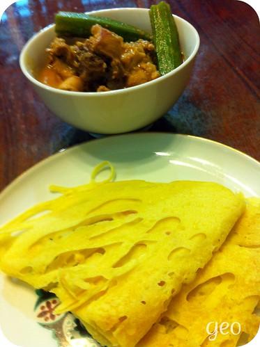 Roti Jala (Netted Crepe)