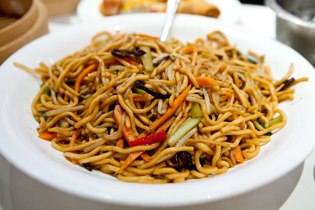 Vegetable lo mein | Flickr - Photo Sharing!